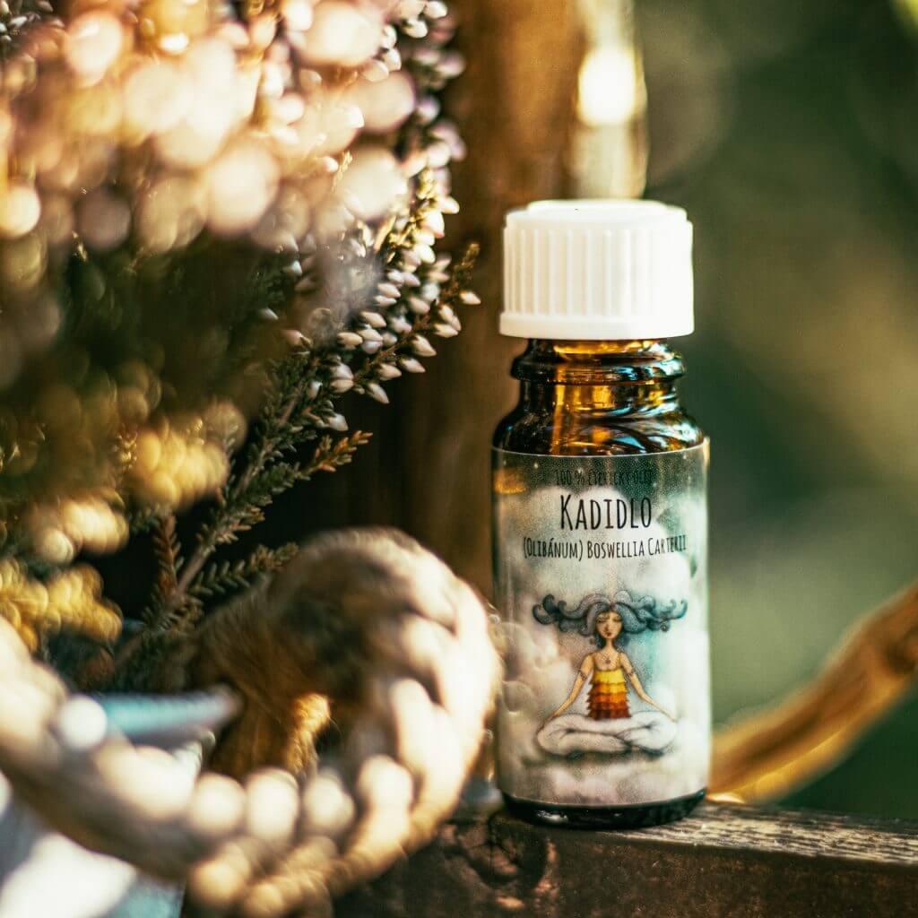 eseniální olej kadidlo olibánum aromaterapie vykuřování bronchitida astma nespavost uklidnění